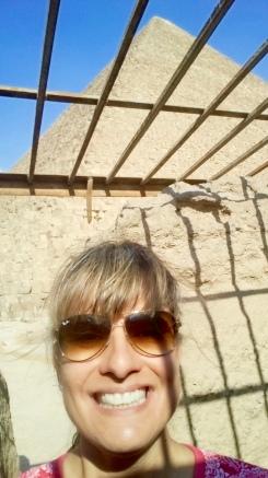 I'm inside a rock carved tomb!!