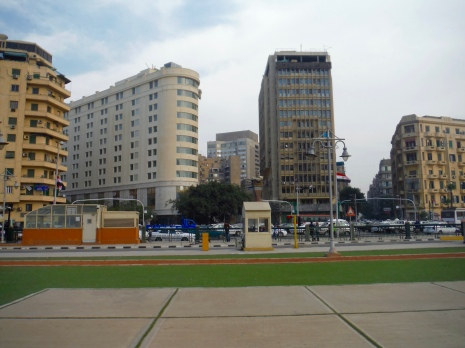 This is Tahrir Square, outside of the museum, that then leads into a maze of so many little squares of a shopping district!!
