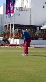 Ernie Els putting practice