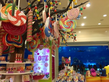 Candy store across from the Dubai Aquarium - where I found a Garretts Popcorn!!!!!!!!