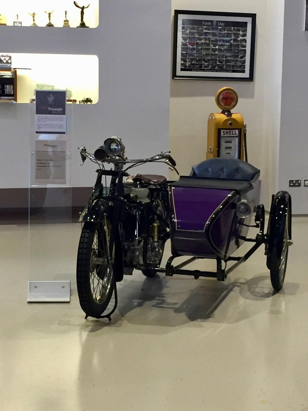 Al Khor, Qatar - Al-Fardan Private Luxury Car Collection - Motorcycle Collection - 1924 Triumph