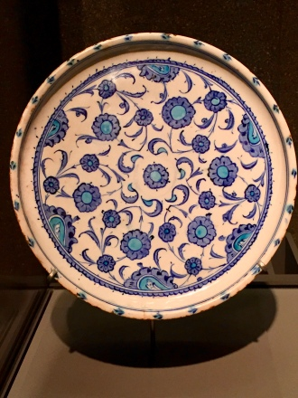 Dish - Turkey (Iznik) - c. 1520-1530