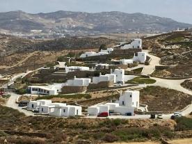Driving to find Agios Sostis Beach