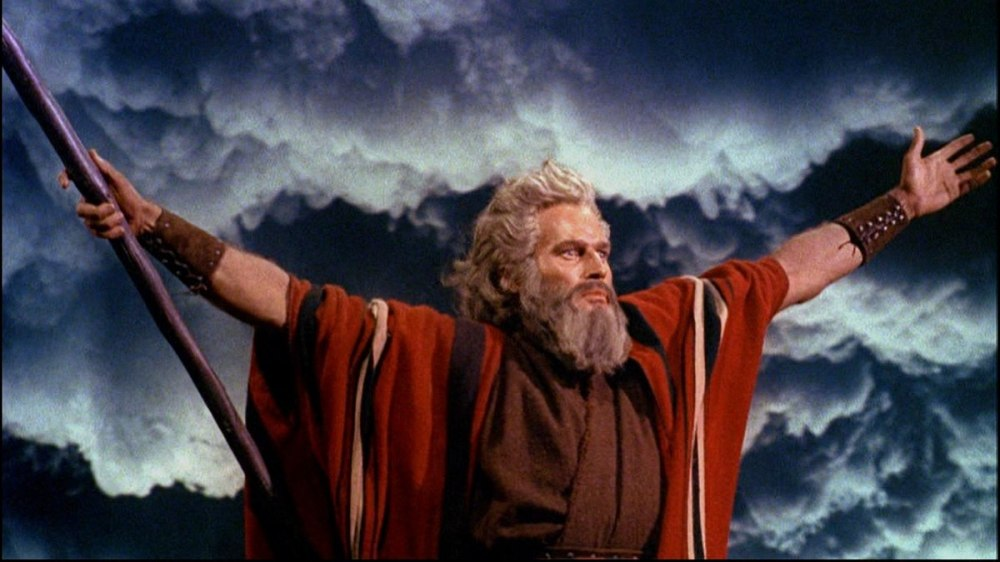 1200px-Charlton_Heston_in_The_Ten_Commandments_film_trailer