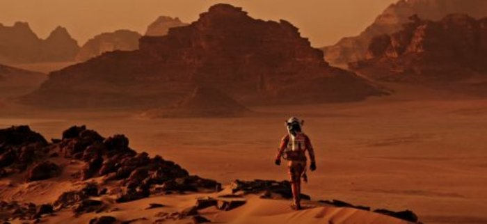 the-martian-matt-damon-700x