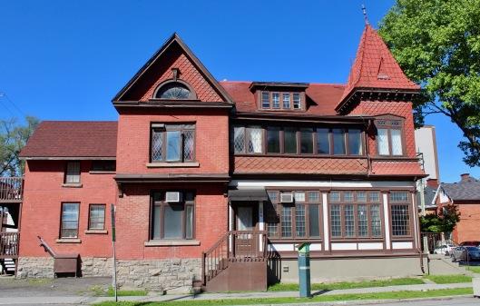 Downtown Ottawa, Ontario, Canada - Cool Brick House