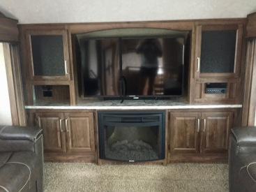June 2019 - 2017 Keystone Cougar 337fls - Interior - Living Room