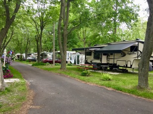 2019 - Sainte-Madeleine, Quebec - Camping Ste-Madeleine RV Park - Walking the Campsite