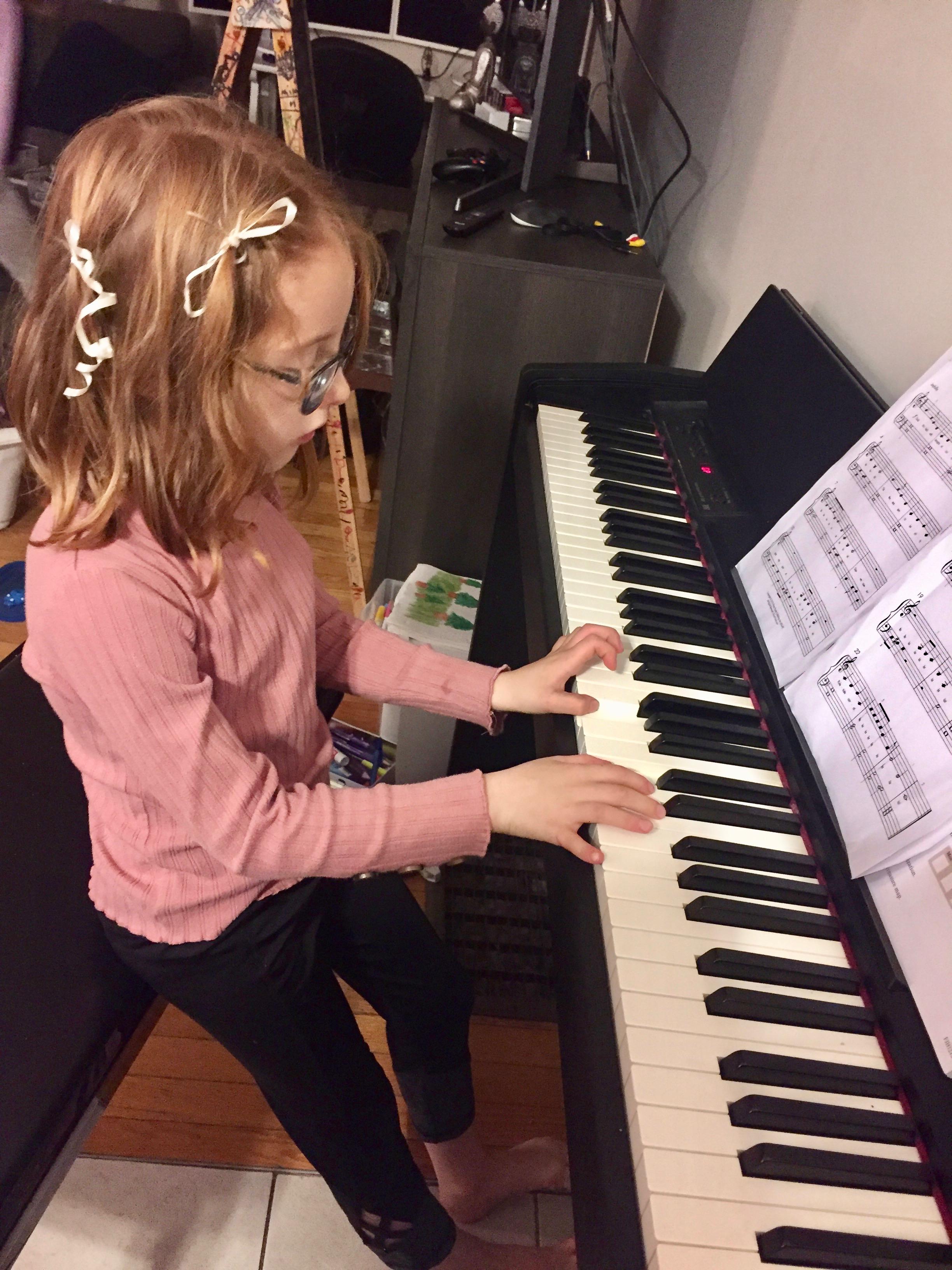 2019 - Mila - Piano practice