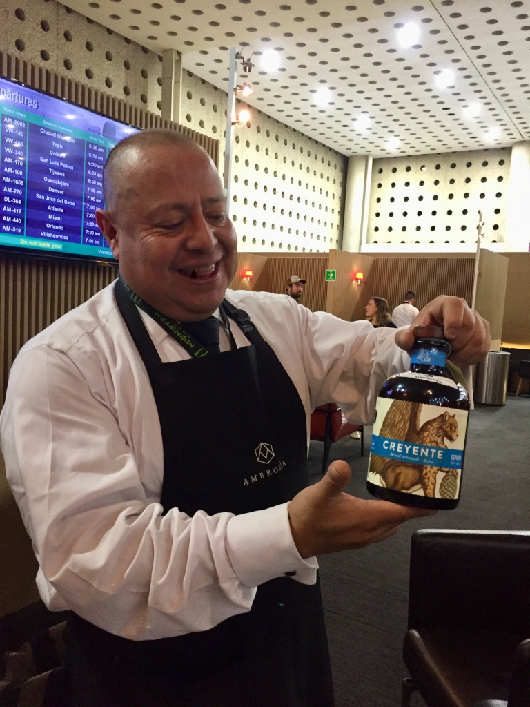 2019 - Christmas Break - Mexico City's Aeropuerto Internacional Benito Juárez - Salon Premier Aeromexico - Trying Mezcal!