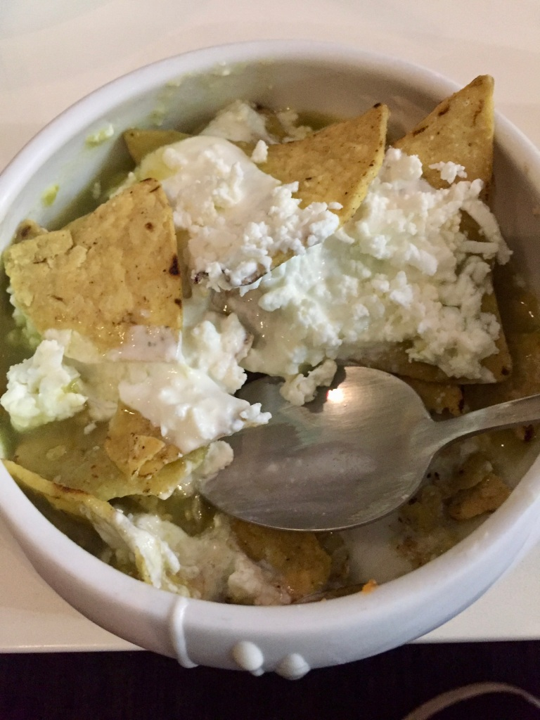 2019 - Christmas Break - Mexico City's Aeropuerto Internacional Benito Juárez - Salon Premier Aeromexico - Mexican Chilaquiles for breakfast!