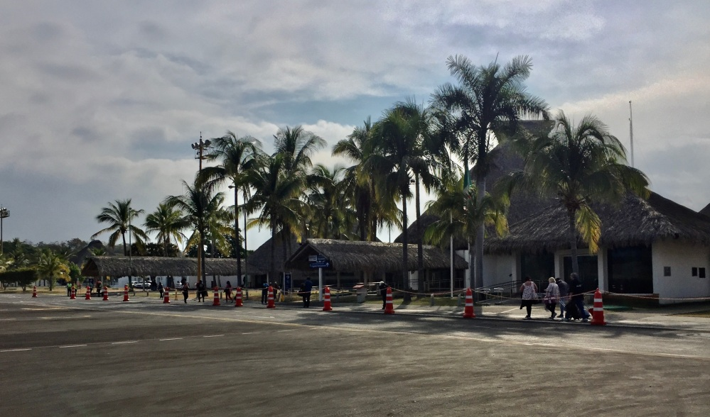 2019 - Air Mexico - Huatulco Airport