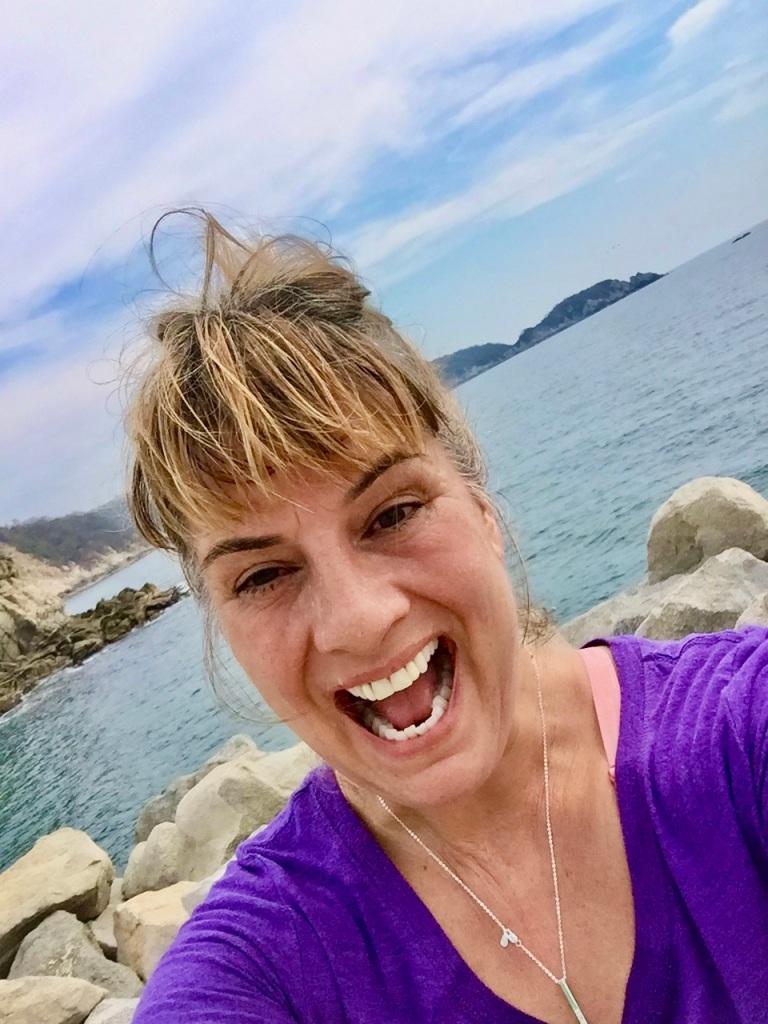 2019 - Run down to Chahué Bay, Chahué Beach