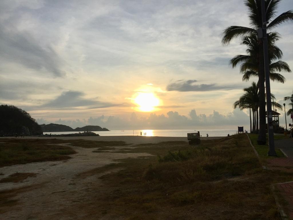 2019 - December - La Crucecita, Huatulco, Mexico - Sunrise at Chahué Beach!