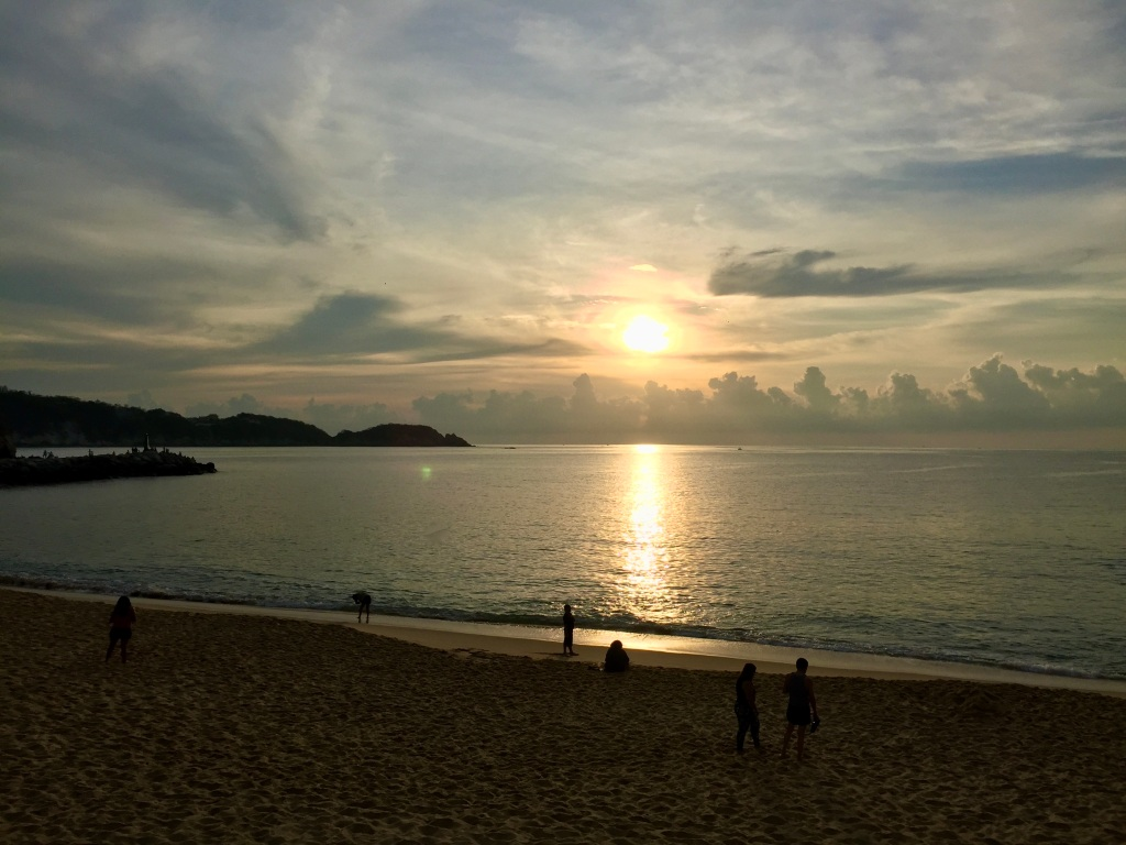 2019 - December - La Crucecita, Huatulco, Mexico - Sunrise at Chahué Beach!