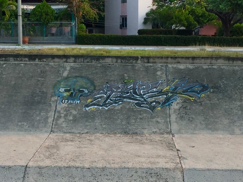 2019 - Huatulco, Mexico - La Crucecita - Graffiti