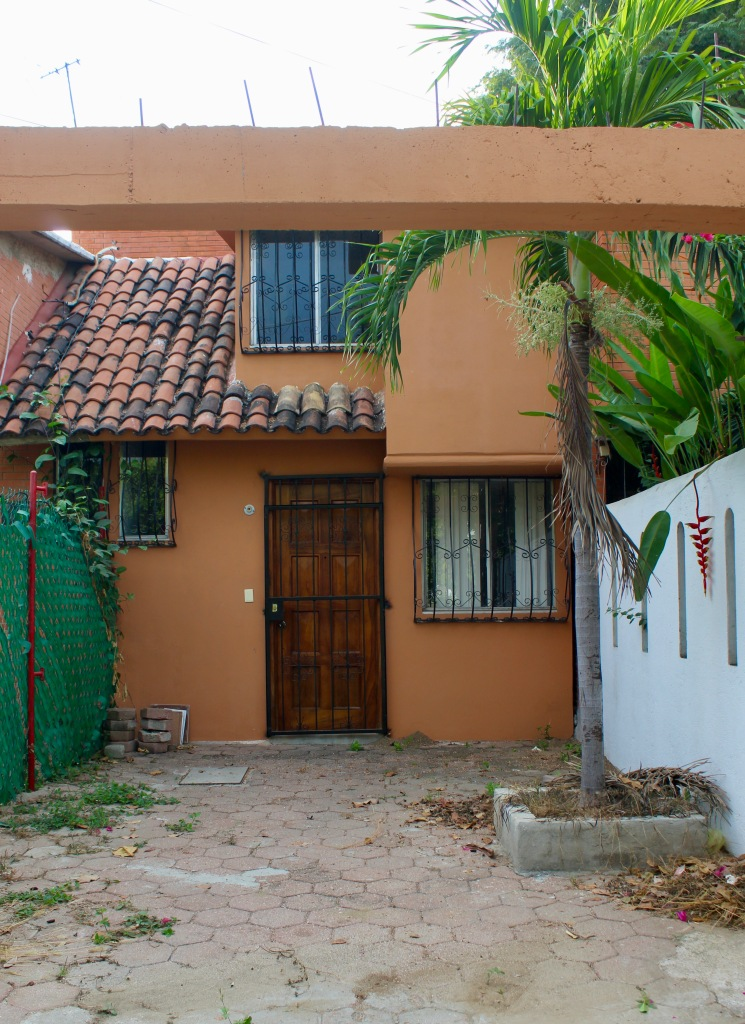 2019 - December - La Crucecita, Huatulco, Mexico - A home in the neighborhood