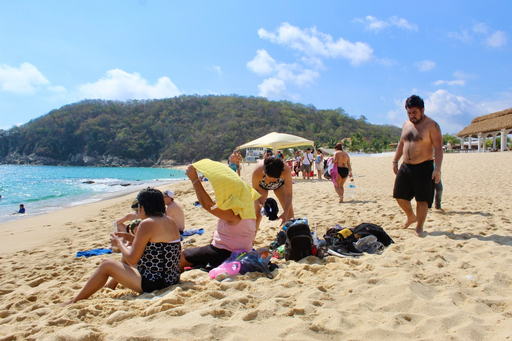 2019 - Chahué Bay, Chahue Beach, Huatulco, Mexico - the beach starts to get busy with lots of Mexican and Canadian families!
