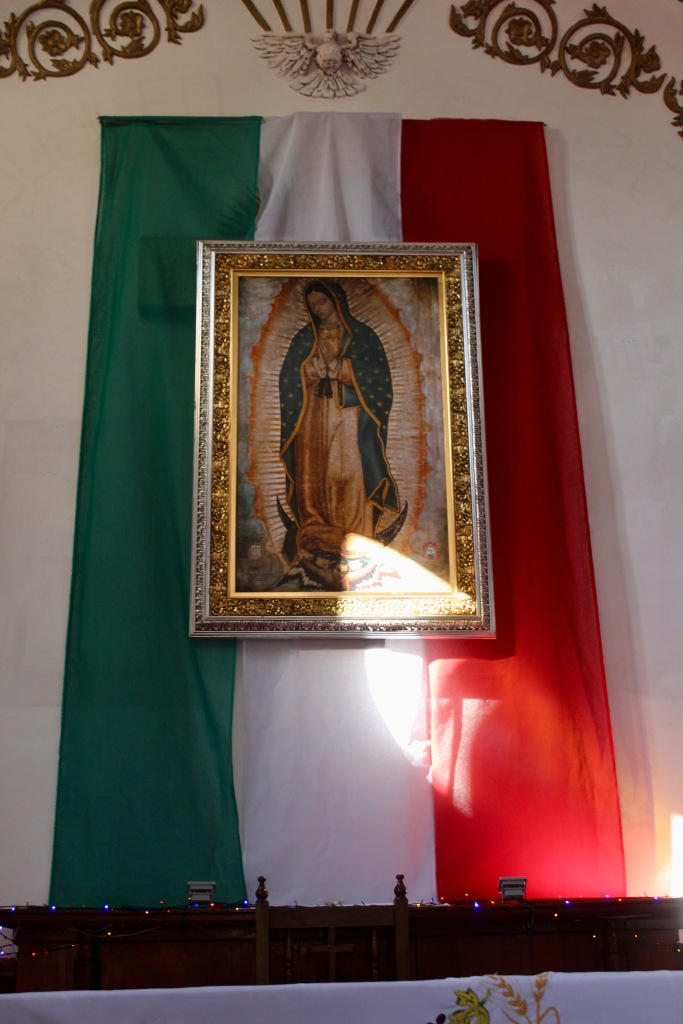 2019 - New Year's Eve - Huatulco, Mexico - La Crucecita - Parish of Our Lady of Guadalupe - The altar