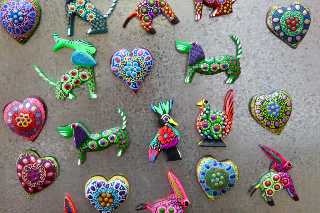 2019 - Huatulco, Mexico - New Year's Eve Day - Downtown La Crucecita - Souvenirs - Magnets