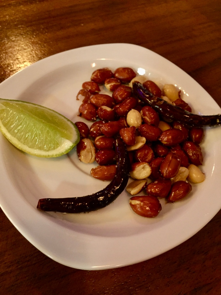 2019 - Huatulco, Mexico - New Year's Eve - Señor Barril Bar & Grill - Free snacks - lime, roasted peanuts and chili peppers