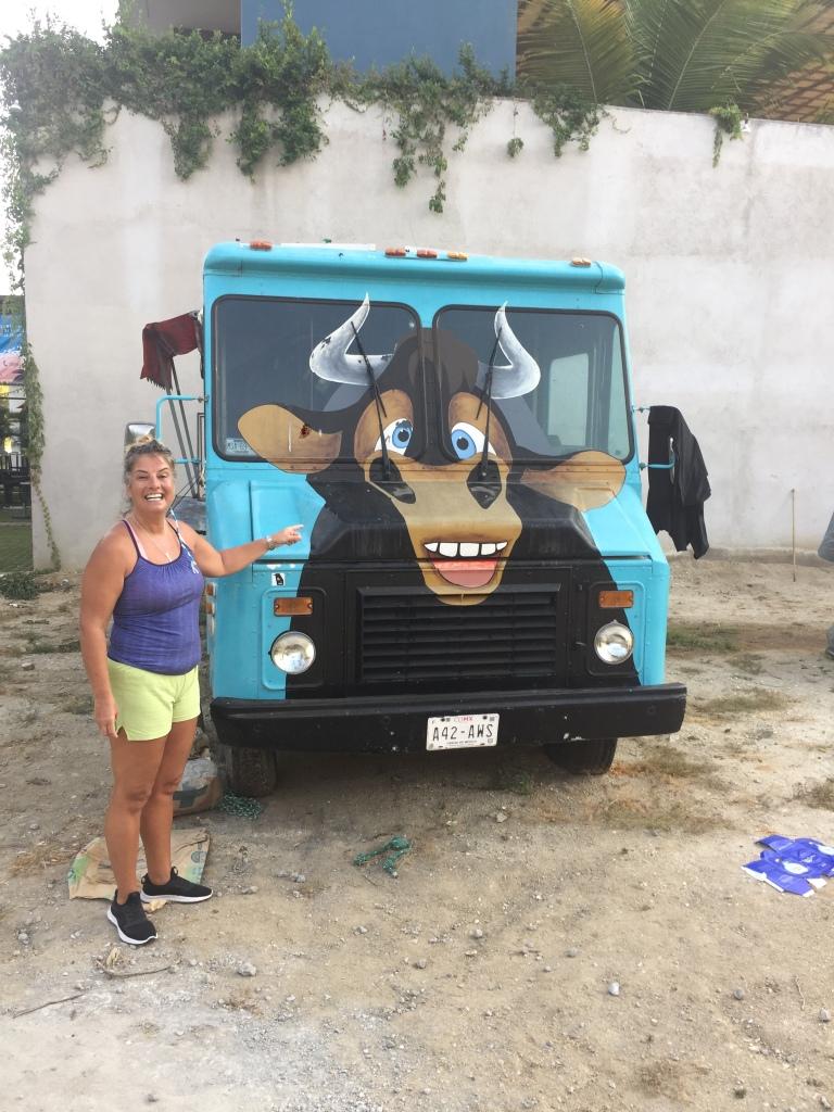 2020 - January 2nd - Huatulco, Mexico - La Crucecita - Morning run with Stephanie - Ferdinand the Bull