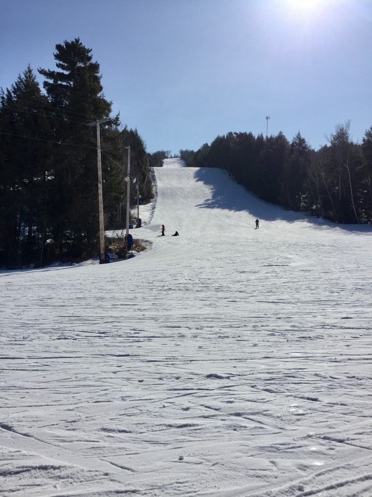 February 2020 - Martock Ski Hill - Beautiful day for my 5th snowboarding lesson!!