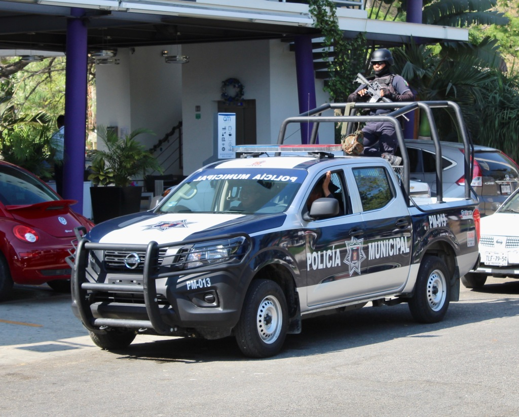 2019 - New Year's Eve Day - Huatulco, Mexico - Police