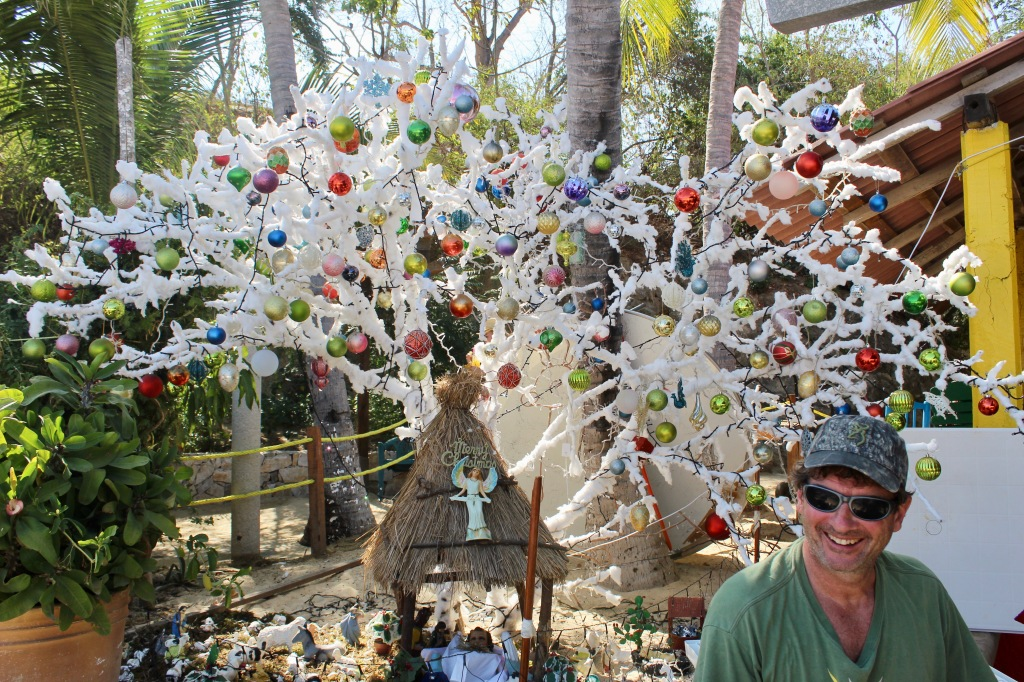 2019 - New Year's Eve Day - Huatulco, Mexico - Santa Cruz Beach - Cotton Christmas Tree!