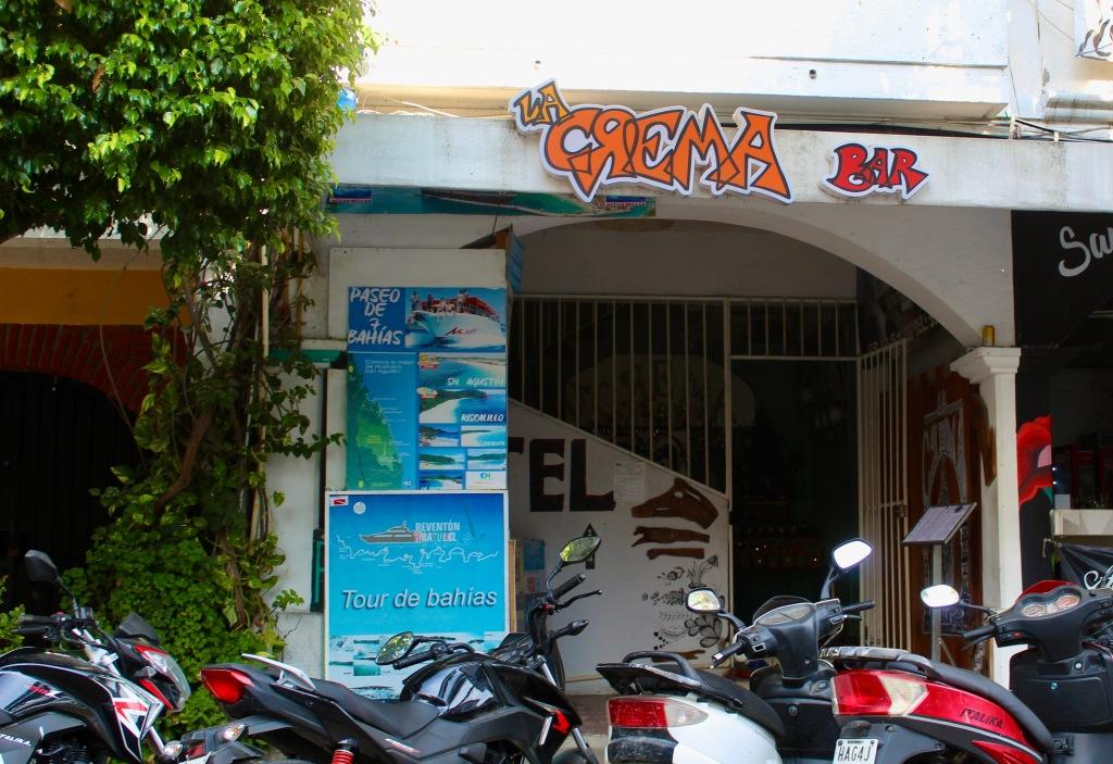 2020 - New Year's Day - Huatulco, Mexico - La Crema Bar - Known for its pizza!