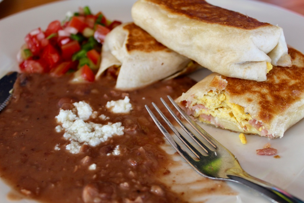 2020 - January 2nd - Huatulco, Mexico - La Crucecita - Xitol Restaurant - Breakfast burritos
