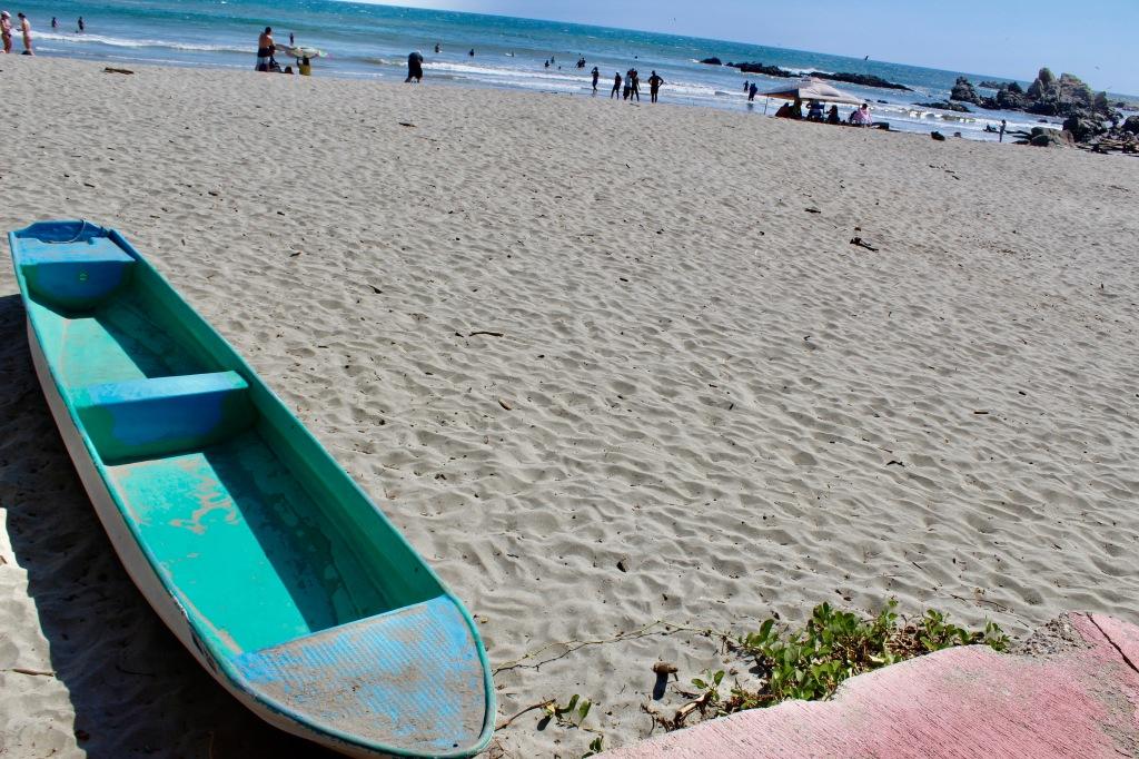 2020 - January 2nd - Huatulco, Mexico - La Bocana Beach - Los Güeros Restaurant - Boat by the deck