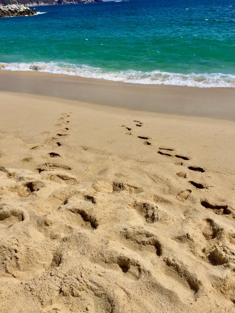 January 3rd, 2020 - Huatulco, Mexico - La Crucecita - Chahue Beach - Our footprints