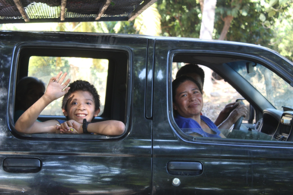 January 2nd, 2020 - Huatulco, Mexico - Looking for the town of Copalita - Driving along Copalita River - Happy locals!