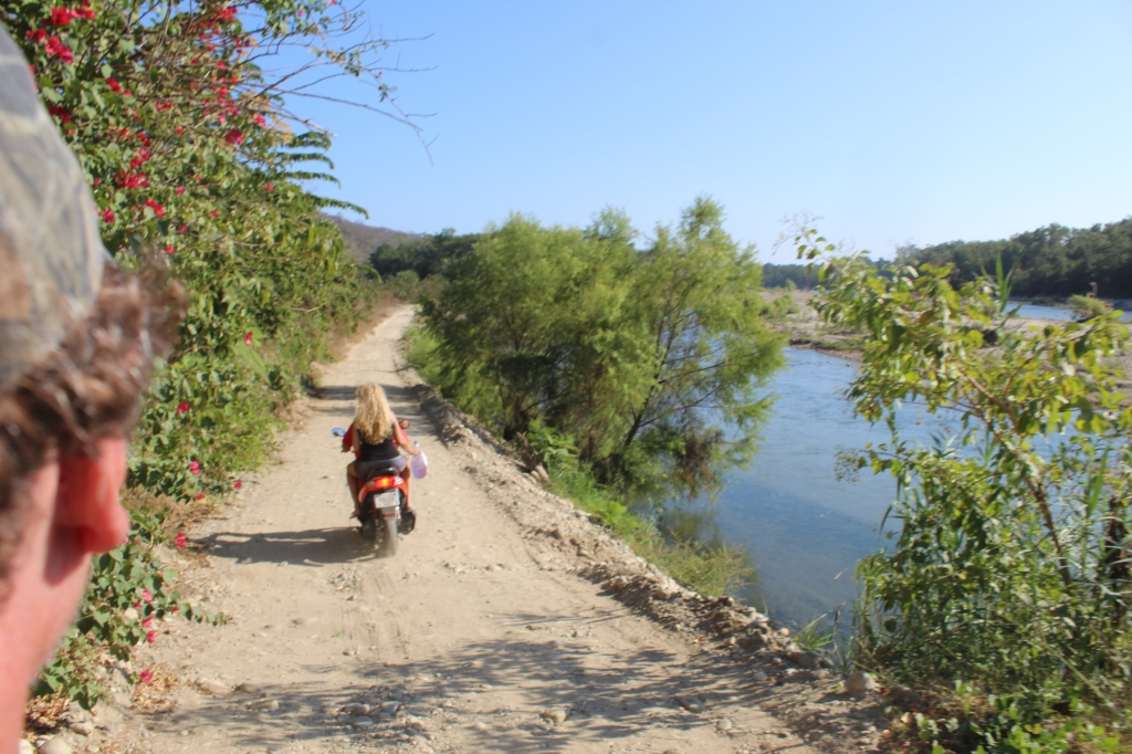 January 2nd, 2020 - Huatulco, Mexico - Looking for the town of Copalita - Driving along Copalita River