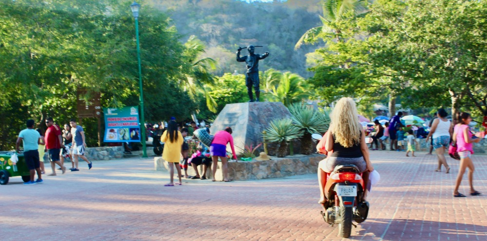 January 2nd, 2020 - Huatulco, Mexico - Arriving at La Entrega Beach