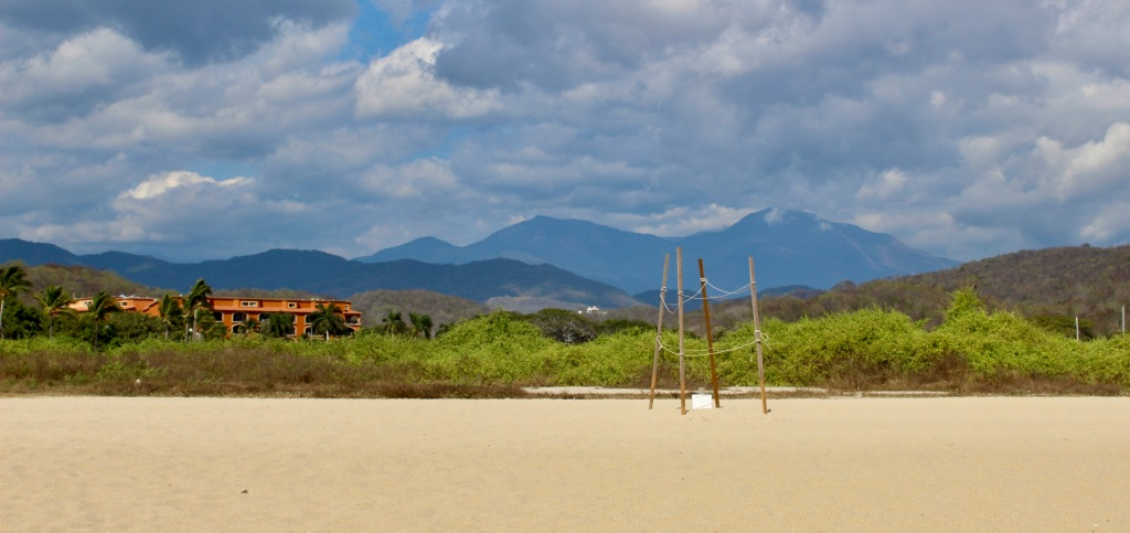 January 3rd, 2020 - Huatulco, Mexico - La Crucecita - Chahue Beach - Mountains
