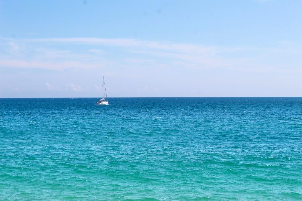 January 3rd, 2020 - Huatulco, Mexico - La Crucecita - Chahue Beach - Sailboat