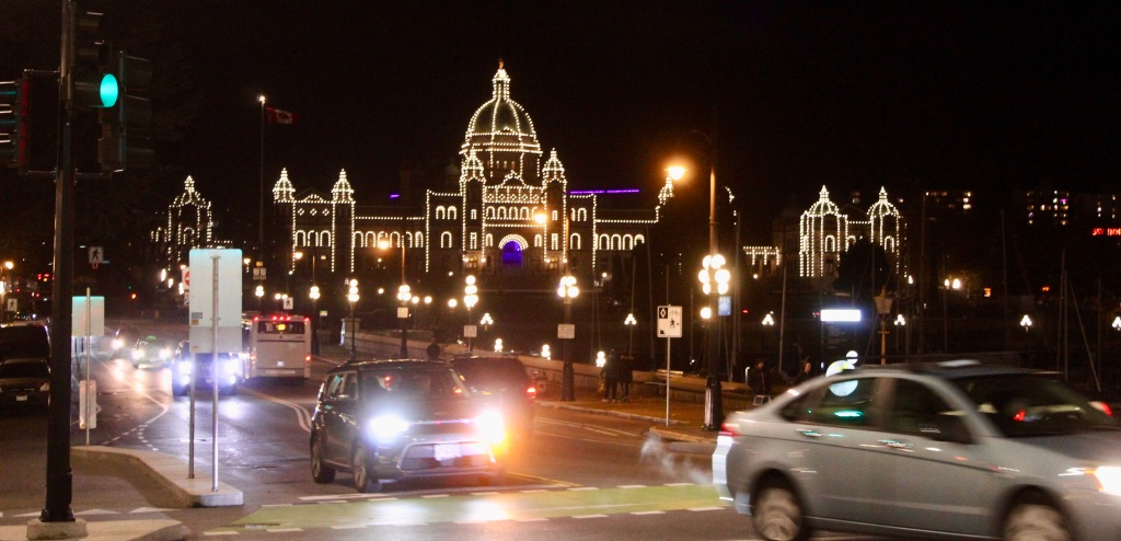 November 14th, 2020 - Victoria, Vancouver Island, British Columbia - Waterfront - Great view of the Parliament Building!