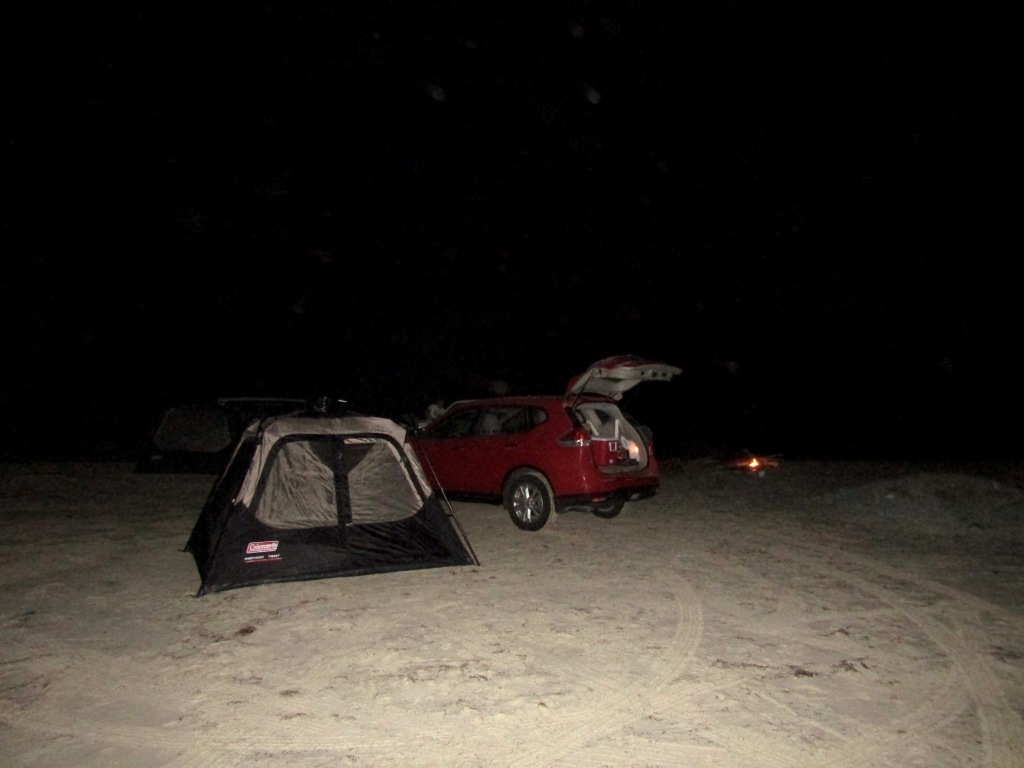 October, 2016 - North of Dukhan, Qatar - Camping on the Beach - Tent is ready!